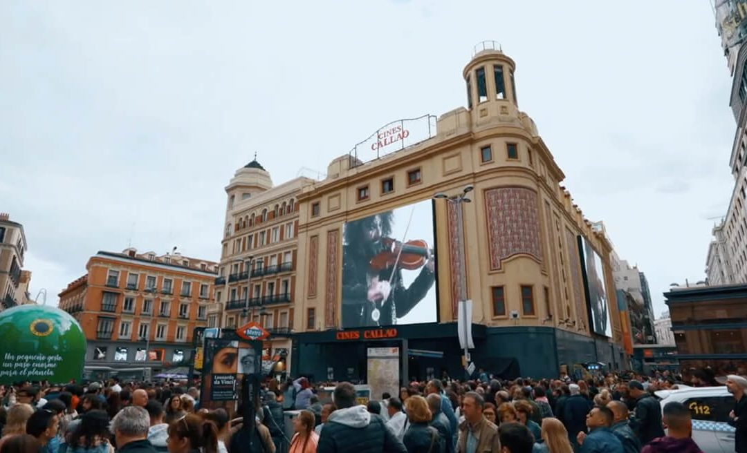 ARA MALIKIAN PRESENTS ITS NEW ALBUM WITH SYNCHRONISED ACTION ON THE CALLAO SCREENS