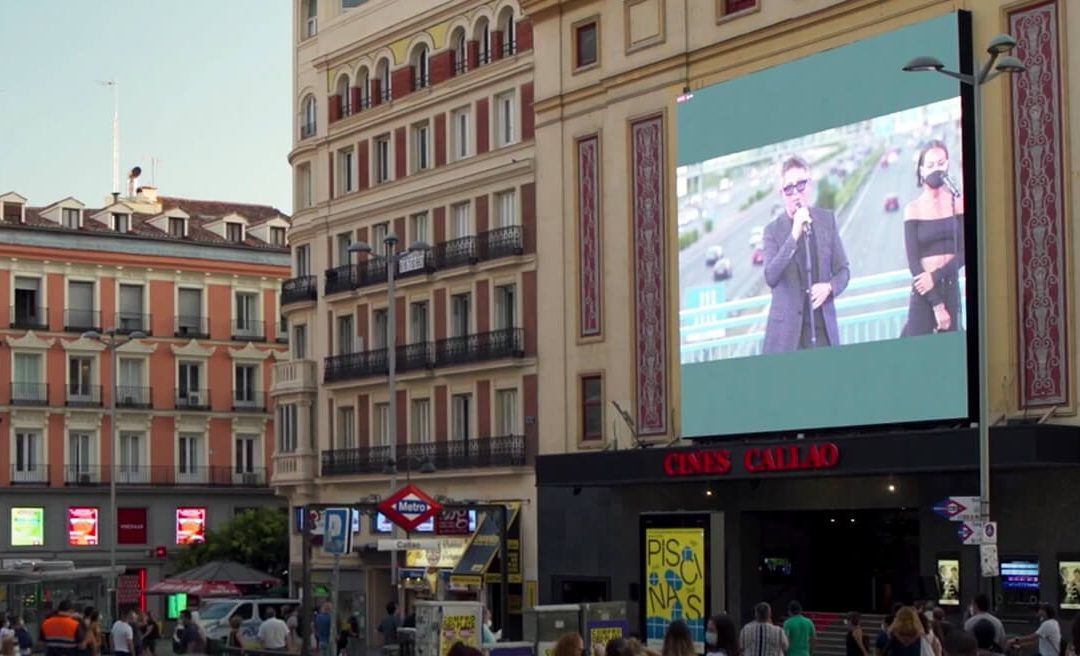 CALLAO CITY LIGHTS BROADCASTS LIVE A SURPRISE CONCERT BY ALEJANDRO SANZ IN MADRID