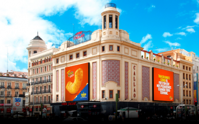 CHEETOS CHOOSES CALLAO CITY LIGHTS TO PRESENT ITS GIANT SNACK 'A LO GRANDE'.