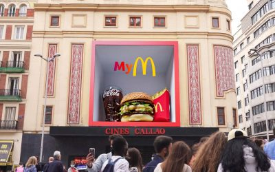 MCDONALD'S TURNS ITS APP INTO A VALUABLE TREASURE THANKS TO THE 3D CALLAO CITY LIGHTS.